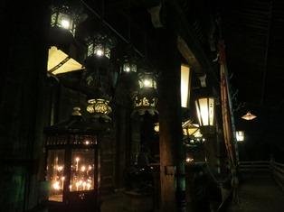 夜の二月堂.jpg